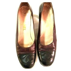"CHANEL Dual Color Vintage Shoes 2 1/2 "" Heel"